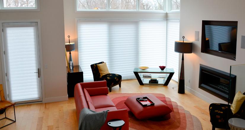 Hunter Douglas Rocky River living room shades